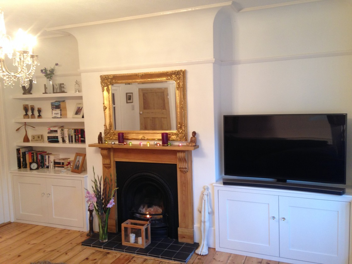 Exeter alcove units with made to measure floating shelves